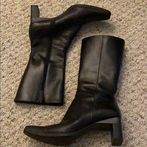 Vera wang black leather heeled boots